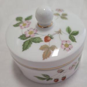 Wedgewood bone China Wild Strawberry box